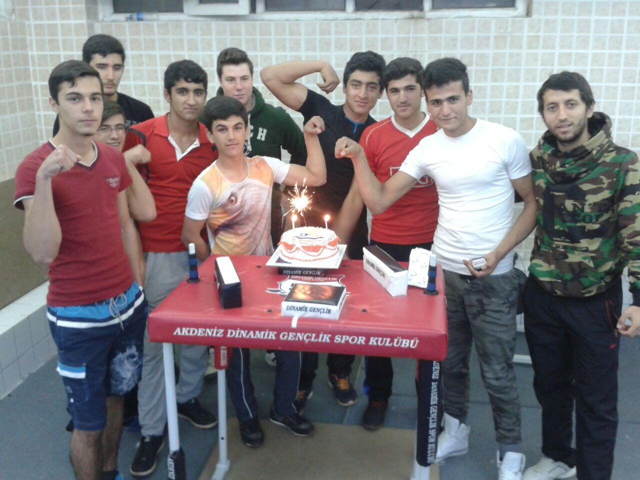 Antalya Dinamik Gençlik Bilek Güreşi Takımı, Türkiye Şampiyonasına Hazırlanıyor