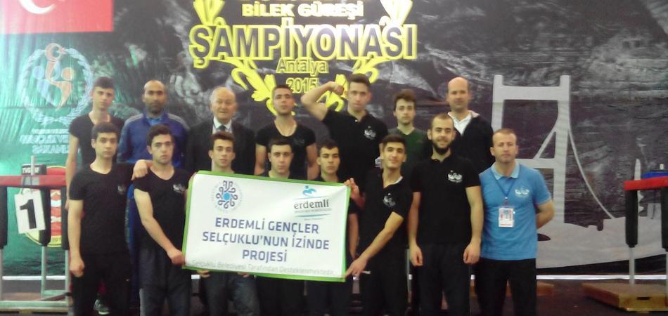 Konya Erdemli Gençlik Bilek Güreşi Takımı, Türkiye Şampiyonasından Madalya İle Döndü