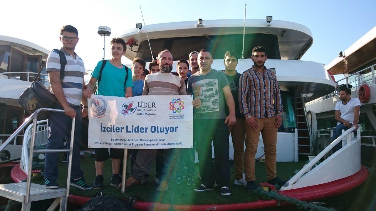 Kocaeli Lider Gençlik, Bilek Güreşi Takımına Boğaz Gezisi, İftar ve Sahur Etkinliği Düzenledi