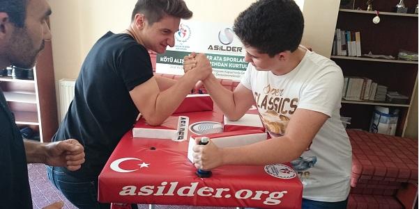 ASİLDER Pursaklar ve Gölbaşı Üniteleri, Türkiye Bilek Güreşi Birinciliğini Hedefliyor