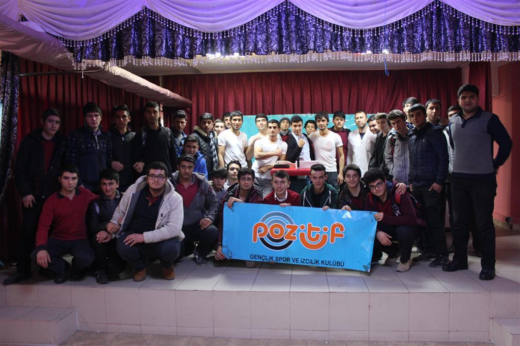 Kayseri Pozitif Gençlik, Keykubat İmam Hatip Lisesi'nde Bilek Güreşi Yarışması Düzenledi