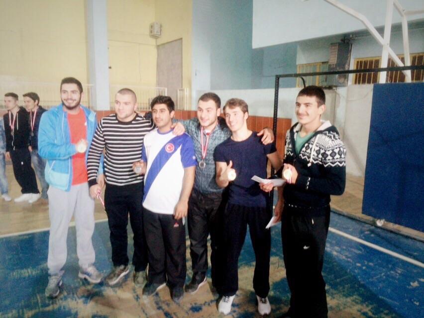 Bursa İrfan Gençlik, Liseler Arası Bilek Güreşi Yarışması Düzenledi