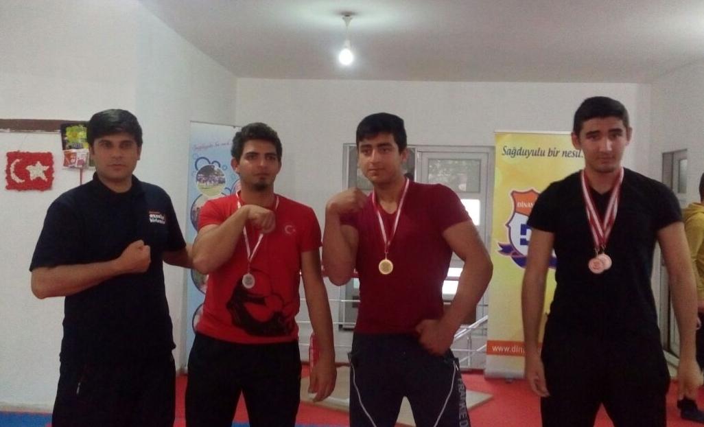 Antalya Dinamik Gençlik, Genç Bilekleri Yarıştırdı