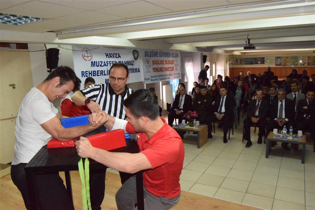 Samsun Yıldız Gençlik, Havza'da Bilek Güreşi Sporunu Tanıttı