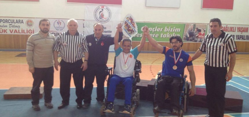 Karabük Genç Eksen, Türkiye Bedensel Engelliler Bilek Güreşi Yarışması'nda 2 Gümüş, 1 Bronz Kazandı