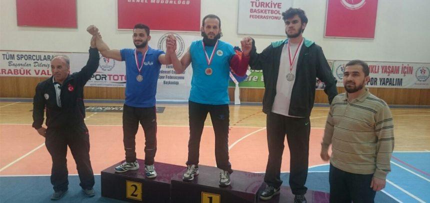 Kocaeli Lider Gençlik, Bilek Güreşi Engelliler Türkiye Yarışması'ndan 2 Altın, 1 Gümüş, 1 Bronzla Döndü