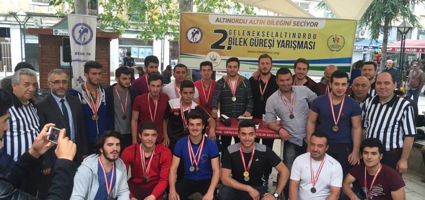 Ordu İdeal Gençlik, Altınordu 2. Bilek Güreşi Yarışmasını Düzenledi