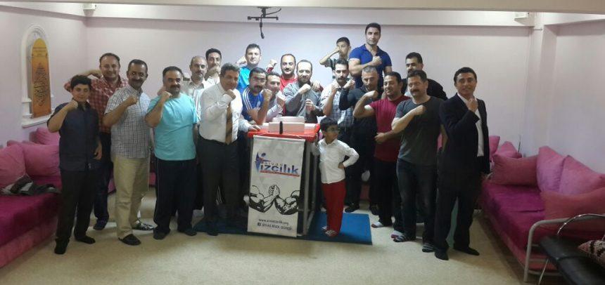 Sivas Gençlik, Erkek İdareci ve Öğretmenler Bilek Güreşi Yarışması Düzenlendi
