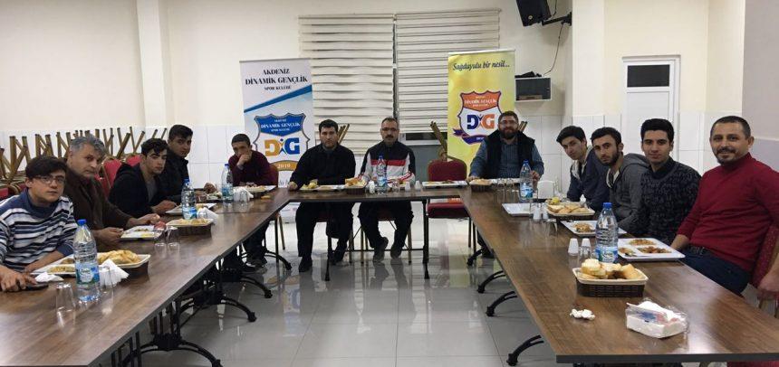 Akdeniz Dinamik Gençlik Bilek Güreşi Takımı, Sosyal Gelişim Merkezi'nde Biraraya Geldi