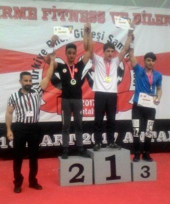 Kütahya Zinde Gençlik Bilek Güreşi Sporcusu, Türkiye İkincisi Oldu