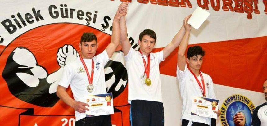 Ordu İdeal Gençlik, 2017 Türkiye Bilek Güreşi Yarışmasından Başarıyla Döndü