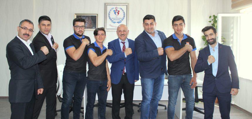 Akdeniz Dinamik Gençlik Bilek Güreşi Takımı, İl Spor Müdürlüğünü Ziyaret Etti