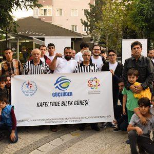 """İstanbul GÜÇLÜDER, """"Kafelerde Bilek Güreşi'' Projesinin İkinci Programını Gerçekleştirdi"""