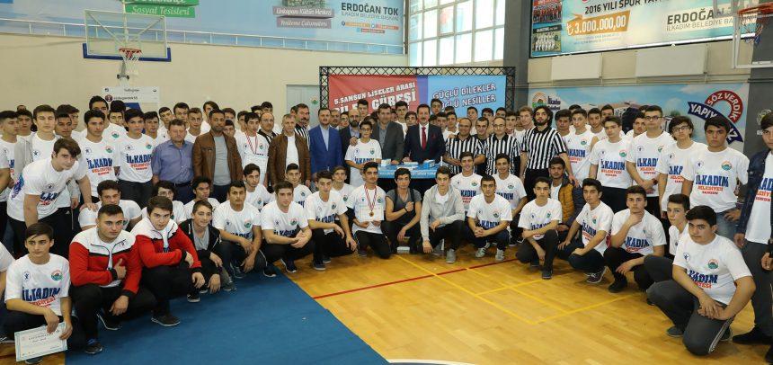 Yıldız Gençlik, 5. Samsun Liseler Arası Bilek Güreşi Yarışması Düzenledi