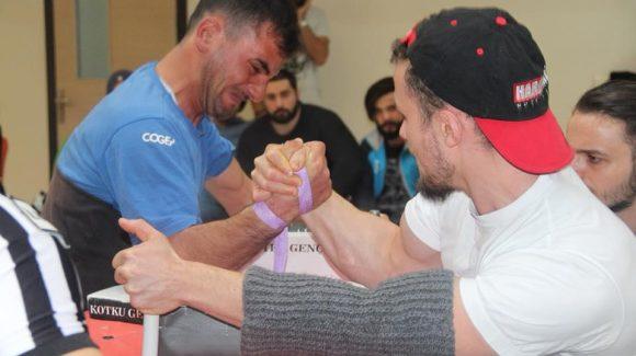 Erzurum Kotku Gençlik, Üniversiteliler Arası  Bilek Güreşi İl Seçmeleri Düzenledi