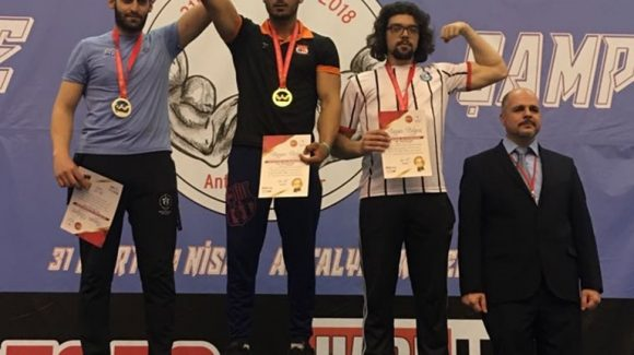 Akdeniz Dinamik Gençlik Bilek Güreşi Sporcusu, Namağlup Türkiye Birincisi Oldu