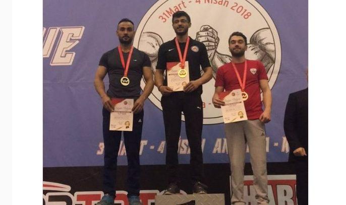 Gaziantep Seyyah Gençlik, Türkiye Bilek Güreşi Yarışması'ndan Gümüş Madalyayla Döndü