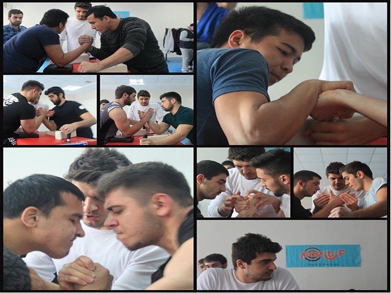 Erciyes Pozitif Gençlik, Ödüllü Bilek Güreşi Yarışması Düzenledi