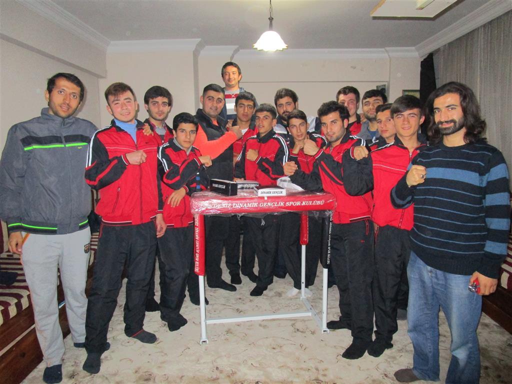 Dinamik Gençlik Kafilesi, Türkiye Bilek Güreşi Yarışması İçin Ankara'da