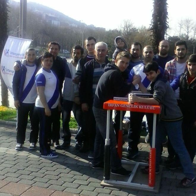 Bursa İrfan Gençlik, Bilek Güreşi İdmanını Halka Açık Yaptı