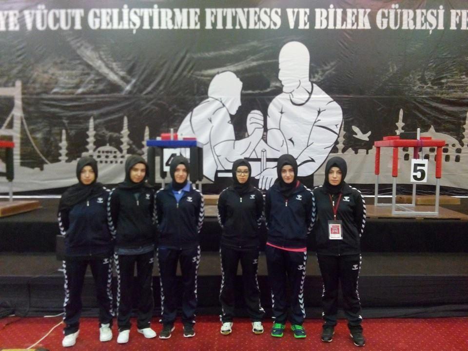 Ordu İdeal Gençlik, Türkiye Bilek Güreşi Şampiyonası'ndan 2 Altın, 1 Gümüş ve 3 Bronzla Döndü