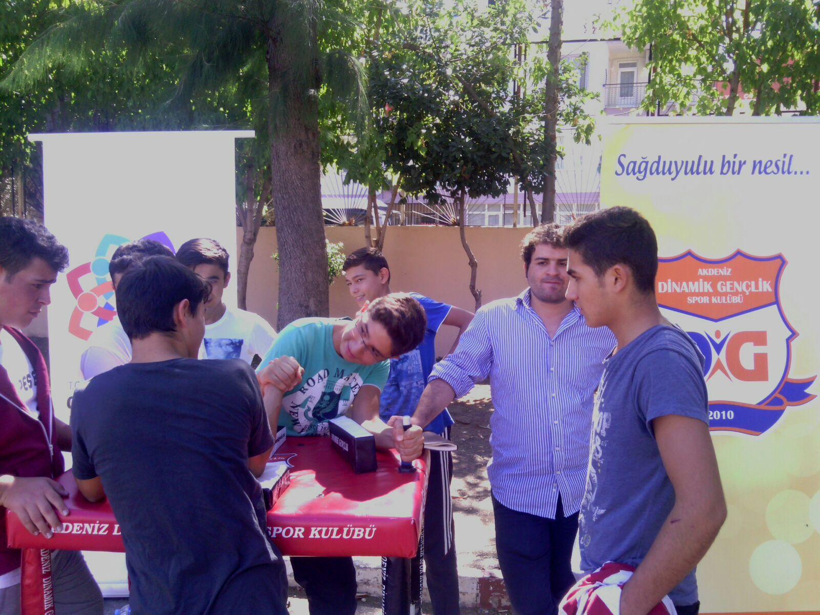 Antalya Dinamik Gençlik, Bilek Güreşi Okul Seçmelerine Başladı