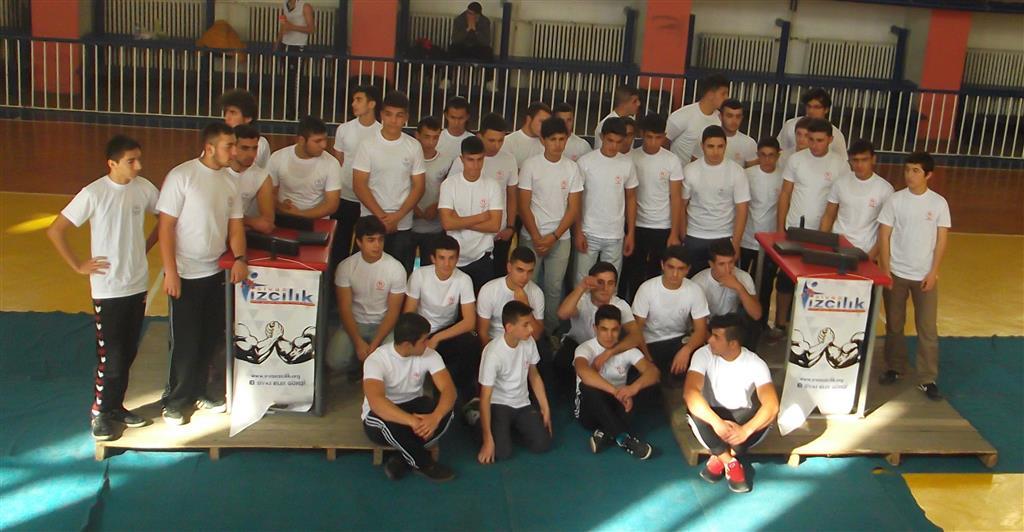 """Sivas Gençlik, """"18 Yaş Altı Genç Erkekler Bilek Güreşi Yarışması'nın"""" Üçüncüsünü Düzenledi"""