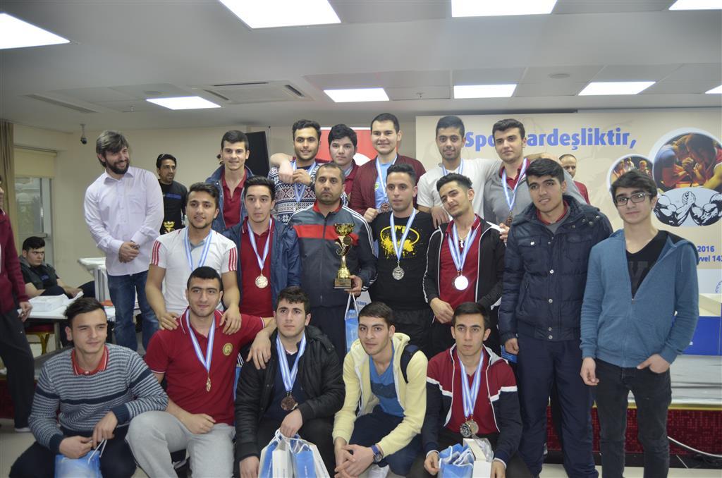 """İstanbul Güçlüder, """"Bağcılar Liseler Arası Bilek Güreşi Yarışması"""" Düzenledi"""