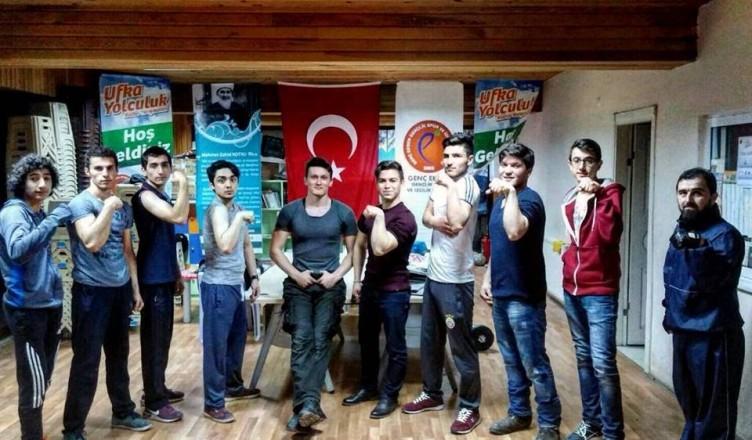 Karabük Genç Eksen, Türkiye Bilek Güreşi Yarışmasına Hazırlanıyor