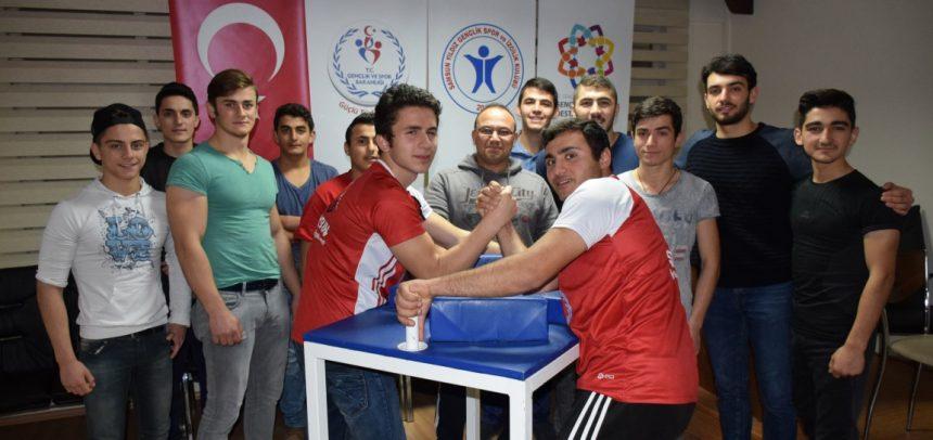Samsun Yıldız Gençlik Bilek Güreşi Sporcuları, Türkiye Yarışması İçin Ankara'ya Gidiyor