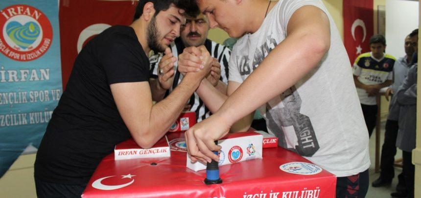 Konya Ereğli İrfan Gençlik, Kredi Yurtlar Kurumunda Bilek Güreşi Turnuvası Düzenledi