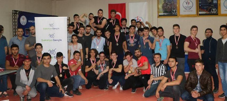Sakarya Gençlik Spor ve İzcilik Kulübü, Bilek Güreşi Kulüp Seçmeleri Düzenledi