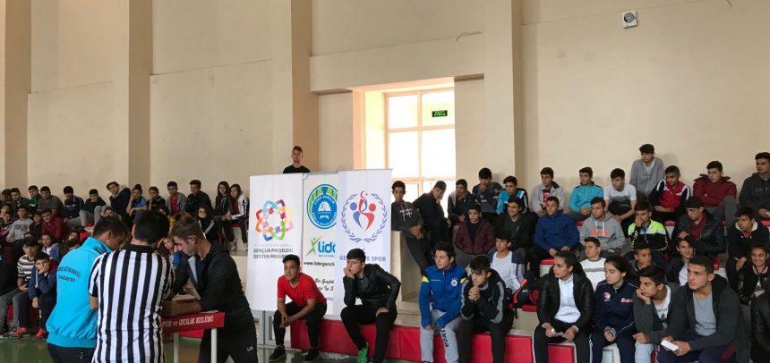 Kahramanmaraş Lider Gençlik'in Düzenlediği Bilek Güreşi Seçmelerine Gençlerden Yoğun İlgi