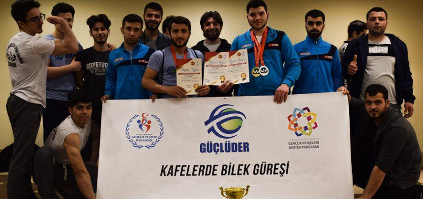 GÜÇLÜDER Bilek Güreşi Sporcuları, Türkiye Yarışmasında 9 Siklette Derece Yaptı