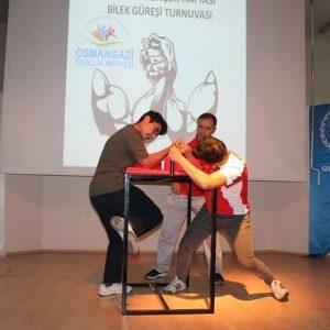 Bursa İrfan Gençlik, Bilek Güreşi Tanıtım Turnuvası Düzenledi